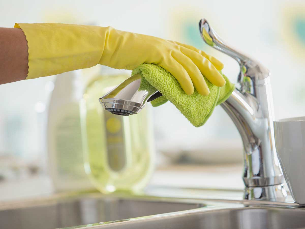 Use Vinegar To Remove Hard Water Stains